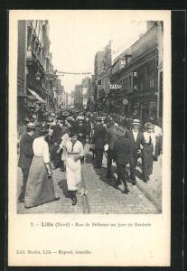 AK Lille, Rue de Bèthune un jour de Braderie