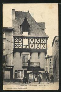 AK Auvergne-Courpière, Vieille Maison