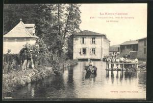 AK Valentine, Le Moulin