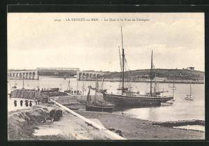 AK La Trinitè-sur-Mer, Le Quai et le Pont de Kèrispert