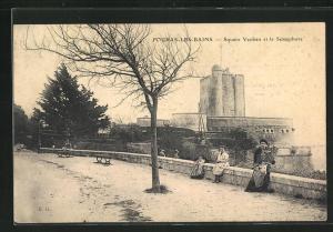 AK Fouras-les-Bains, Square Vauban et le Sèmaphore