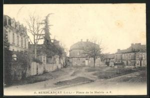 AK Semblancay, Place de la Mairie