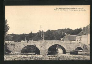 AK Chambon-sur-Voueize, Pont en dos d`ane du Moyen age sur la Voueize
