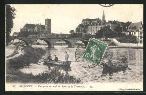 AK Auxerre, Vue prise en aval du Pont de la Tournelle