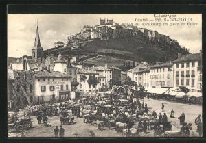 AK Saint-Flour, Place du Faubourg un jour de Foire