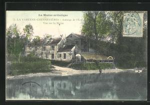 AK La Varenne-Chennevieres, Auberge de l`Ecu, Vue sur la Marne