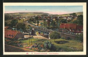 AK Sarreguemines, Pont Frontiere et Maisons