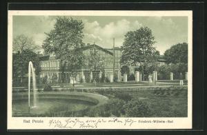 AK Bad Polzin, Friedrich Wilhelm-Bad mit Springbrunnen