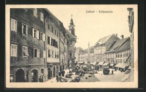 AK Ljubljana / Laibach, Rathausplatz mit Anwohnern und Denkmal
