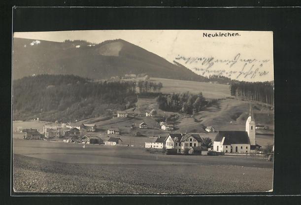 AK Neukirchen am Teisenberg / Bayern, Gesamtansicht mit Kirche und Gebirge 0