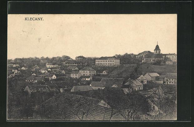 AK Klecany, Ortsansicht über Häuser mit Blick auf Kirche 0