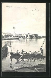 AK Pillau, Blick auf den Leuchtturm vom Hafen