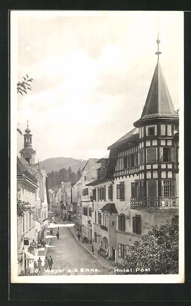 AK Weyer a. d. Enns, Hotel Post mit Blick auf geschäftige Strasse 0