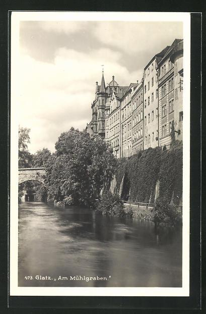 AK Glatz, Am Mühlgraben mit Steinbrücke und Häuserfassaden 0