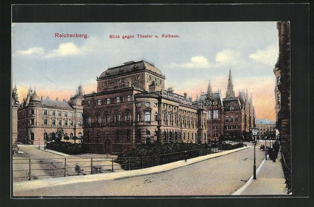 AK Reichenberg / Liberec, Blick gegen Theater und Rathaus 0