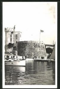 AK Korcula, Dampfer Rudi vor der Festung