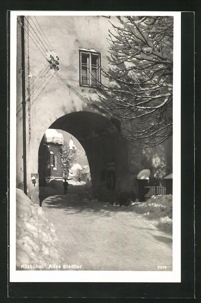 AK Kitzbühel, Altes Stadttor im Winter 0