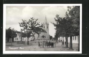 AK Parndorf, Strassenpartie mit Kindern & Kirche