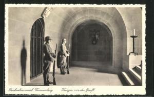 AK Hohenstein, Reichsehrenmal Tannenberg, Krieger vor der Gruft