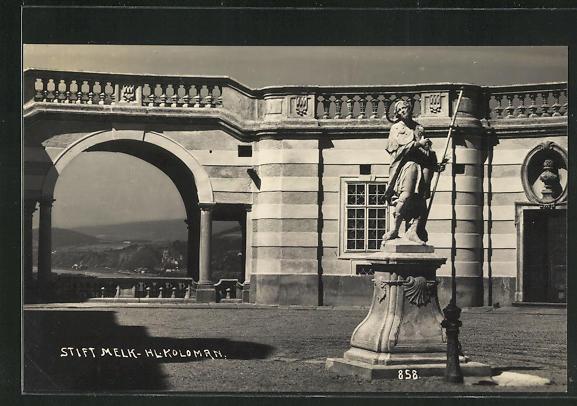 AK Melk, Statue Hl. Koloman im Stift Melk 0