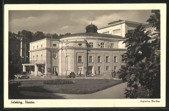 AK Salzburg, Passanten am Theater 0
