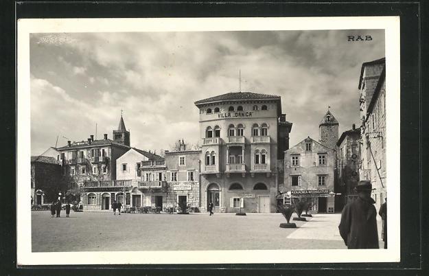 AK Rab, Marktplatz mit Hotel Astoria und Villa Danica 0