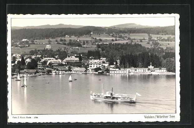 AK Velden / Wörthersee, Dampfer auf dem See, Blick auf den Ort 0
