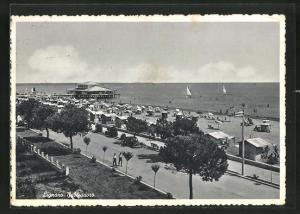 AK Lignano, Strandausblick mit Wrtschaft am Landungssteg