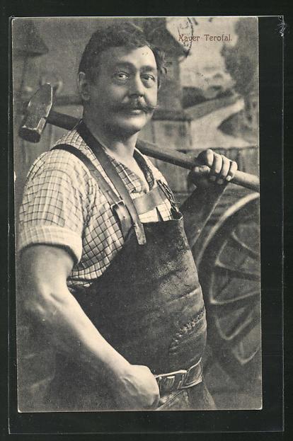 AK Schmied Xaver Terofal mit Hammer in der Hand 0
