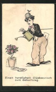 AK Schauspieler Charlie Chaplin giesst die Blumen, Glückwunsch zum Geburtstag