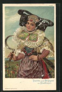 AK Stadthagen, Frau in Tracht von Schaumburg-Lippe mit Sichel