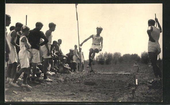 Foto-AK Leichtathlet beim Weitsprung 0