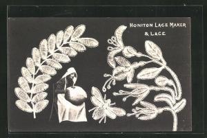 AK Frau bei der Klöppel-Arbeit, geklöppeltes Blattmuster, Honiton Lace Maker & Lace