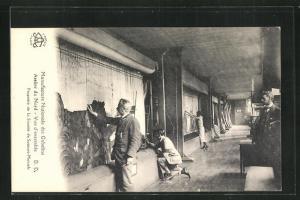 AK Paris, Manufacture Nationale des Gobelins, Atelier du Nord, Vue d`ensemble, Arbeiter in der Teppichmanufaktur