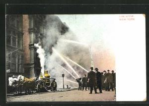 AK New York, Fire Scene, Feuerwehr löscht einen Brand