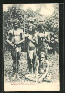 AK Sri Lanka, Veddhas, Einheimische Jäger mit Langbogen