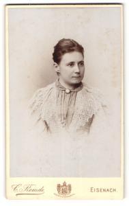 Fotografie C. Remde, Eisenach, Portrait Dame mit zusammengebundenem Haar