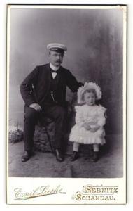 Fotografie Emil Lieske, Sebnitz & Schandau, Portrait Vater und Tochter