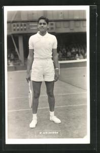AK Tennisspieler, R. Krishnan mit Schläger auf dem Platz vor Publikum