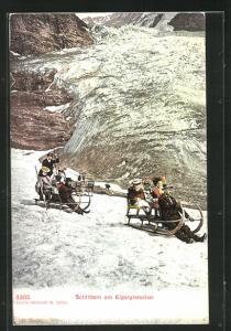 AK Eigergletscher, grosse Schlitten mit Ausflüglern, Schlitteln