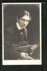 AK Musiker Rohan Glensy mit Geige