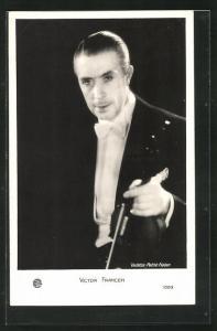 AK Musiker Victor Francen mit Geige