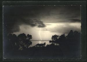 Foto-AK Blitz und dunkle Wolken am Himmel, Meteorologie