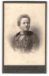 Fotografie Karl Oppenländer, Waiblingen, Portrait Dame mit Dame mit zusammengebundenem Haar