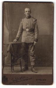 Fotografie C. Kurfess, St. Pölten, Portrait Soldat in Uniform