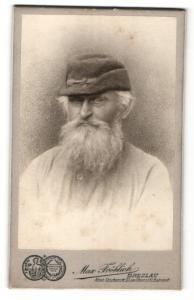 Fotografie Max Fröhlich, Breslau, Portrait Greis mit Rauschebart und Mütze