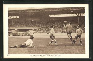 AK Amsterdam, Olympiade 1928, Fussballspiel, Uruguay keeper loopt uit