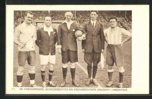 AK Amsterdam, Olympiade 1928, Fussballspiel, De Aanvoerders, Scheidsrichter en Grensrechters, Uruguay-Argentine