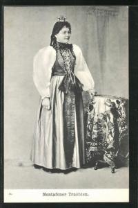 AK Montafoner Trachten, Frau mit Kopfbedeckung
