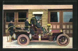 AK Waterbury, Conn, Auto-Hose-Wagon, Feuerwehrleute im Auto